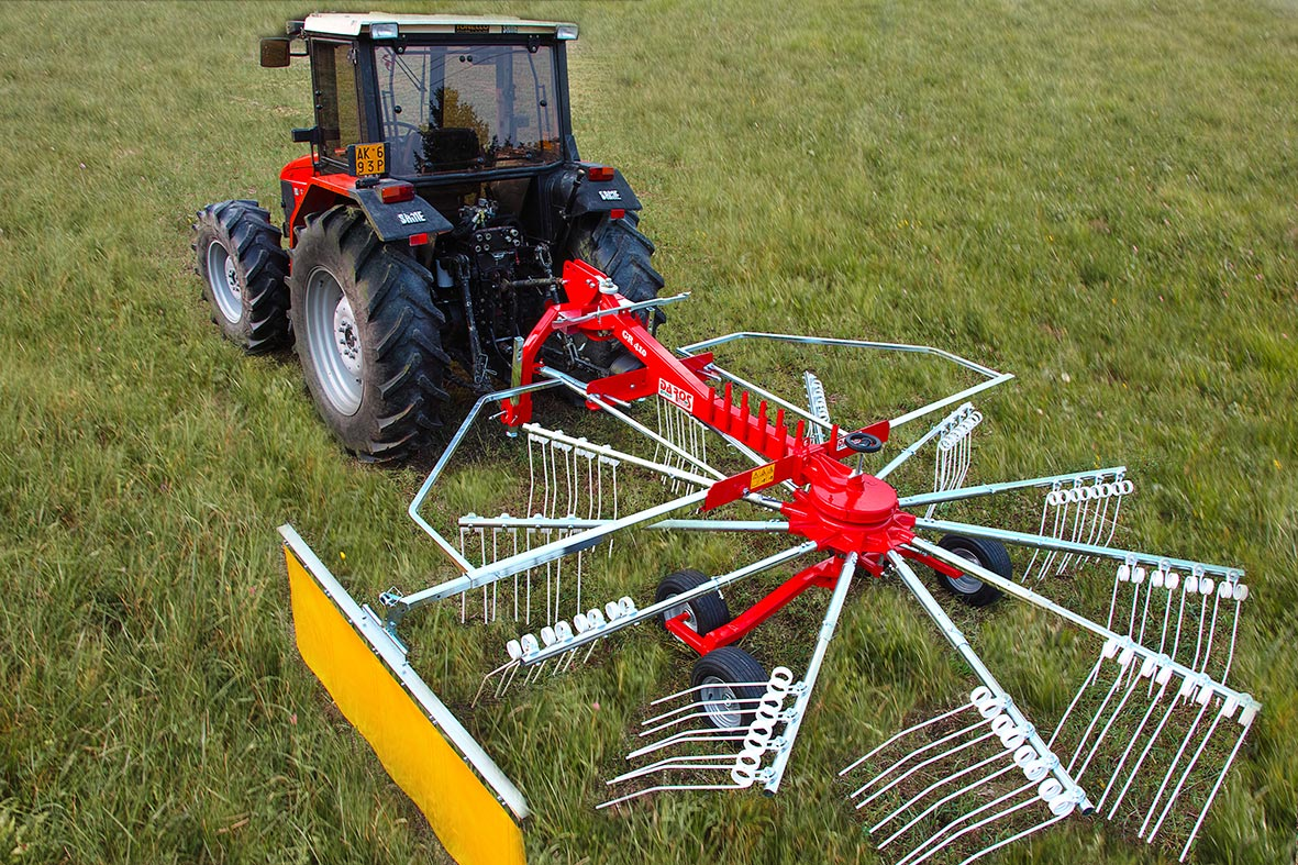 Tandem Rotary Rakes : The rotary swather with articulated points and tandem
